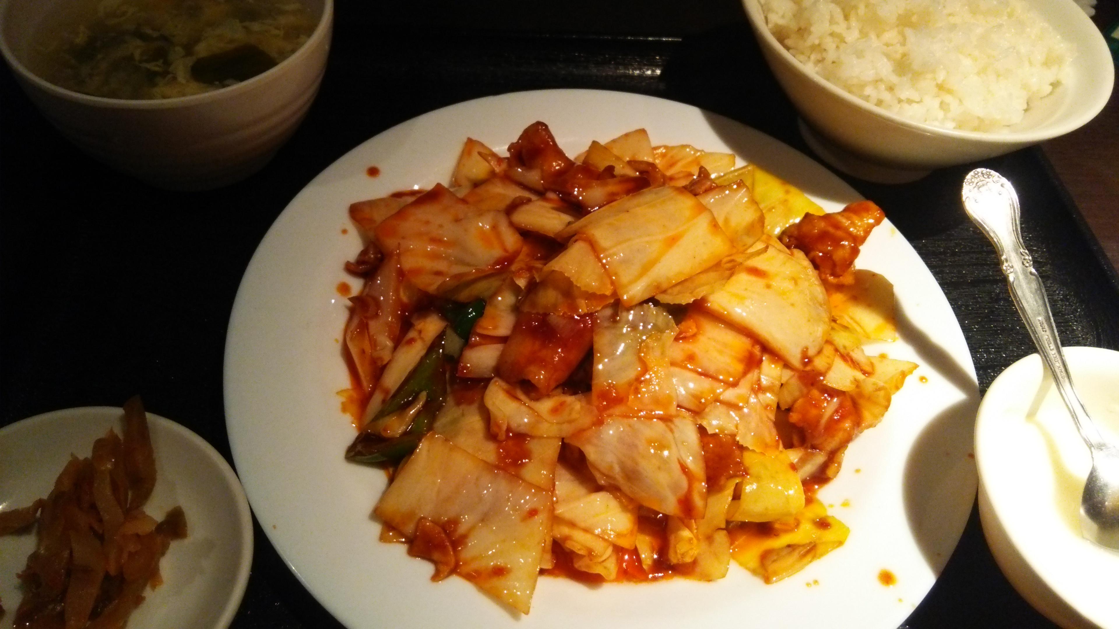 東新宿の庶民的な中華料理さん祥龍房に来ました